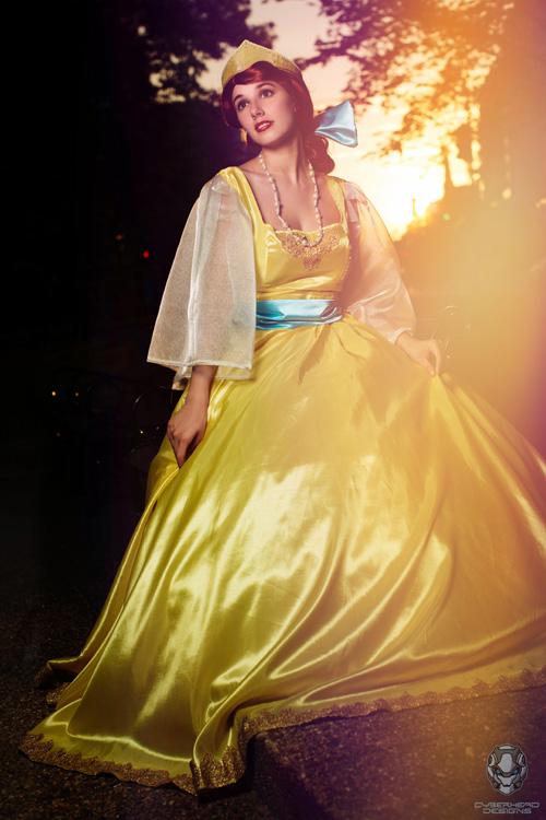 Anastasia Yellow Dress Cosplay