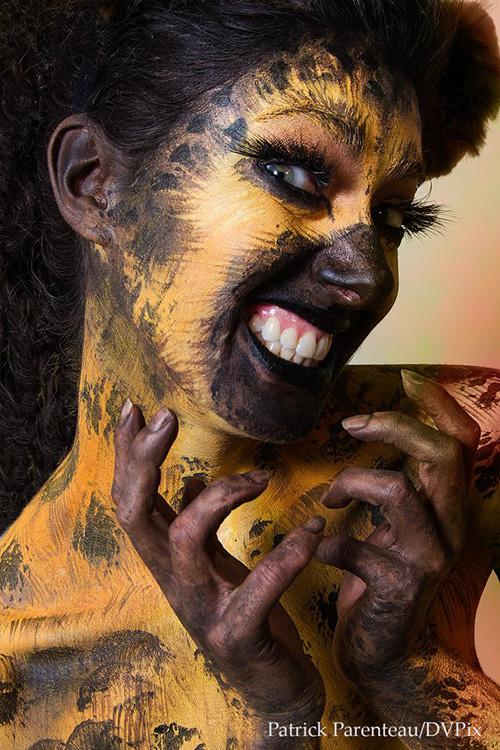 Harley Quinn & Hyenas Cosplay