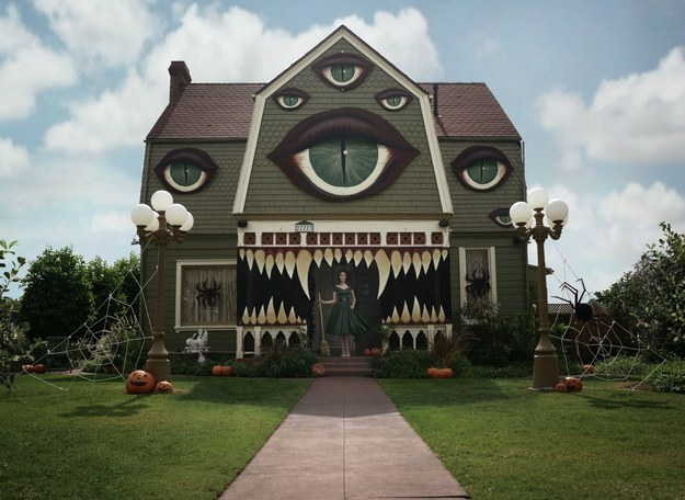 Artist Decorates Parents House for Halloween