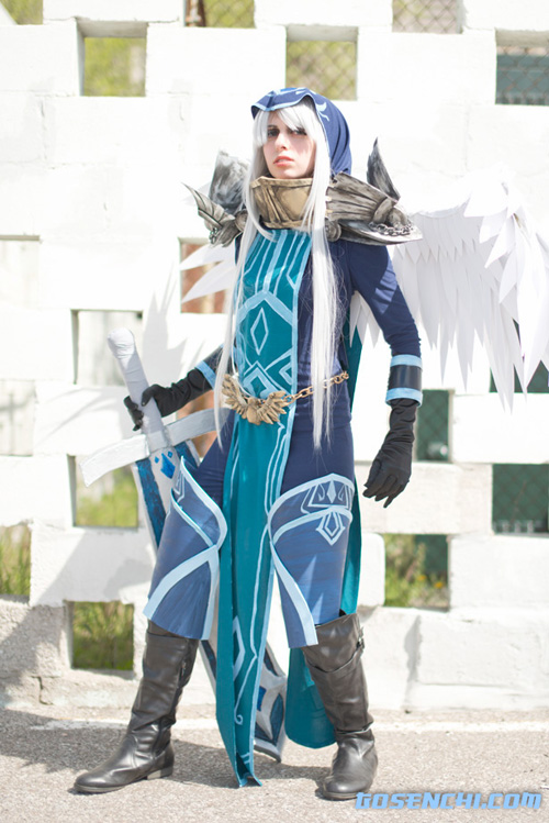 Kayle from League of Legends Cosplay