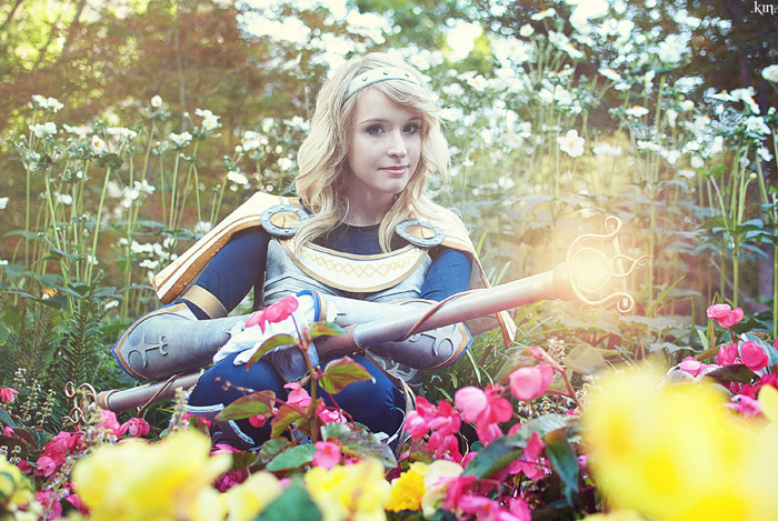Lux League of Legends Cosplay