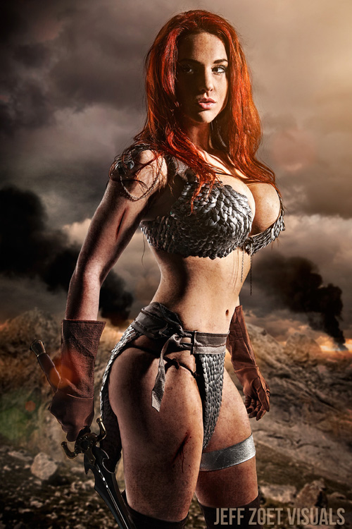 Sexy red sonja cosplay